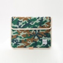모우(MOW) camouflage green clutch