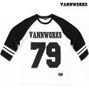 밴웍스 VNWRS 풋볼 티셔츠 - 화이트/블랙 나그랑