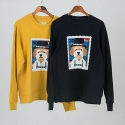 비욘드클로젯 BERLIN STAMP DOG PATCH SWEAT SHIRT