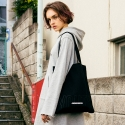 앤더슨벨(ANDERSSON BELL) UNISEX Two-Tone Logo Eco Bag aaa018(Black/Black)