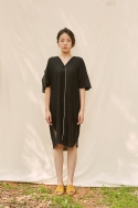 클로징멘트(CLOSINGMENT) [closingment] viscose rayon v-neck dress - black