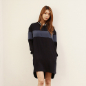 와드로브(WARDROBE) COLORBLOCK LOOSE FIT ONE PIECE_NAVY