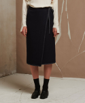레이트(LEIT) STITCH POINT WRAP SKIRT