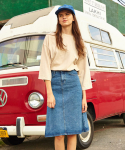 밀리언코르(MILLIONCOR) Medium Washed Skirt