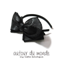 오뜨르 뒤 몽드(AUTOUR DU MONDE) PUNCHING RIBBON HAIRBAND (NAVY)