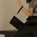 여밈(YEOMIM) velvet pouch bag / black color