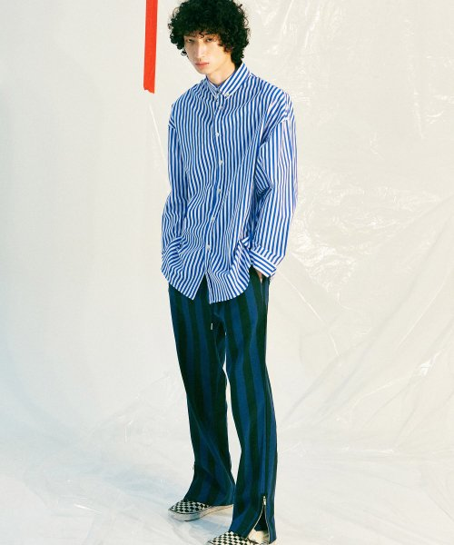 피스피스(PIECEPEACE) OVERSIZED STRIPE SHIRT BLUE