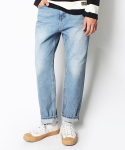 RELAXED CROP LIGHT WASHED JEANS