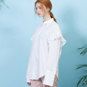 룩캐스트(LOOKAST) WHITE FLARE BLOUSE