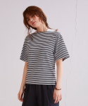어헤이트(AHEIT) Loose Fit Striped Crop T-Shirt Black