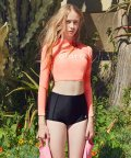 로라로라(ROLAROLA) LOGO CROP RASHGUARD_NEON ORANGE