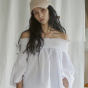 누이슈(NUISSUE) OFF SHOULDER TOP (WHITE)