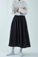 아무 코리아(AMU KOREA) PLATED SKIRT