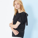 룩캐스트(LOOKAST) BLACK SHOULDER EYELET RIBBON TSHIRT