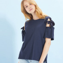 룩캐스트(LOOKAST) NAVY OPEN SHOULDER RIBBON TSHIRT