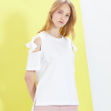 룩캐스트(LOOKAST) WHITE OPEN SHOULDER RIBBON TSHIRT