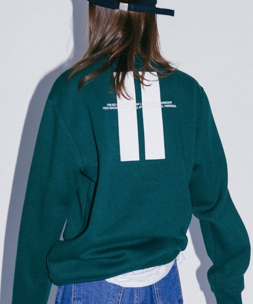 디폴트(DEFAULT) BACK POINT CREWNECK(GREEN)