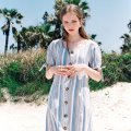 노미나떼(NOMINATE) LINEN STRIPE BUTTON DART DRESS SKY BLUE