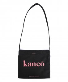 KANCO SERIF LOGO SACOCHE BAG black