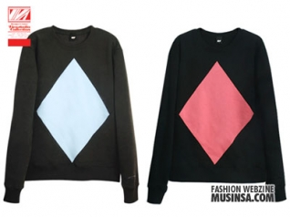 2010 S/S Collection Divided crewneck.
