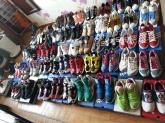 신발 정리를...