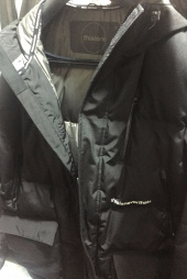 디스이즈네버댓(THISISNEVERTHAT) INTL. Logo Oversized Down Parka Black 후기