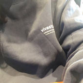 비바스튜디오(VIVASTUDIO) LOCATION LOGO CREWNECK IS [BLACK] 후기