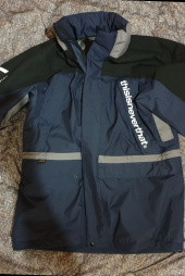 디스이즈네버댓(THISISNEVERTHAT) thisisneverthat x GORE-TEX City Peak Jacket Navy 후기