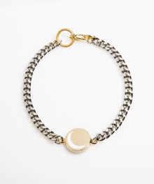 [usual M.E] moon pendant thin chain bracelet (골드바탕 / 화이트 달)