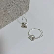 WAVE UNBALANCE SQUARE RING EARRING