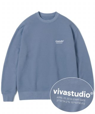 비바스튜디오(vivastudio) LOCATION LOGO CREWNECK IS [PASTEL BLUE]