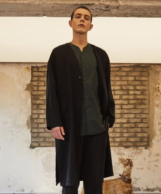 로얄위(theroyalwe) AUTUMN ROBE BLACK