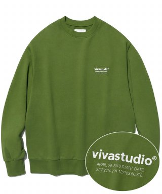 비바스튜디오(vivastudio) LOCATION LOGO CREWNECK IS [OLIVE GREEN]