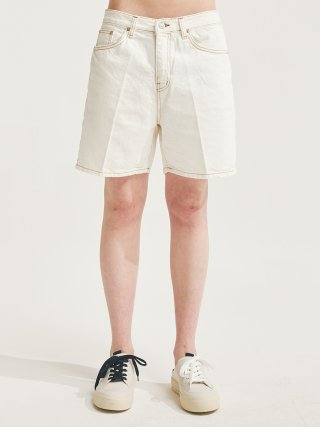 에이글로우(agloww) PINTUCK SEMI WIDE WASHING HALF JEANS IVORY