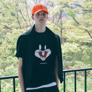 스테레오 바이널즈(stereovinyls) [SS19 Looney Tunes] Bunny Face T-shirts(Black)