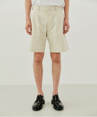 커렌트(current) TWO PLEATS SHORTS MEN [IVORY]