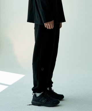 오베르(overr) 19FW BLACK JOGGER PANTS