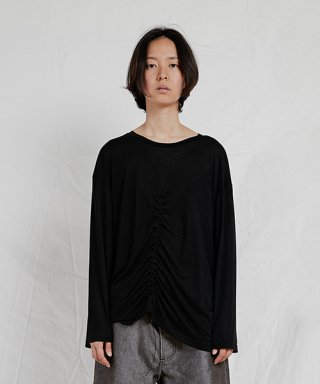 엔조 블루스(enzoblues) LONG SLEEVE SHIRRING TOP (BLACK)