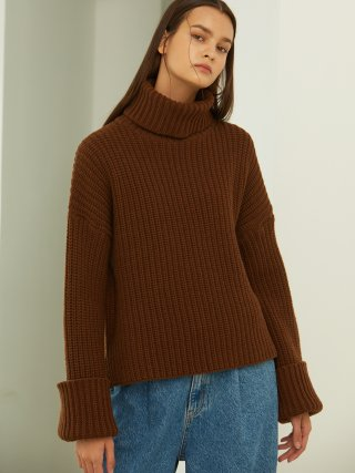 룩캐스트(lookast) BROWN CROP TURTLENECK KNIT SWEATER