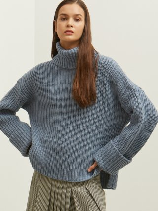 룩캐스트(lookast) BLUE CROP TURTLENECK KNIT SWEATER