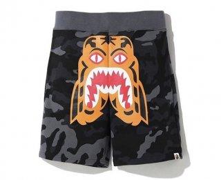 베이프(bape) WOODLAND CAMO TIGER SWEAT SHORTS