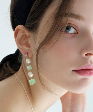 위트홀리데이(witholiday) Emerald paerl earring [4floor]
