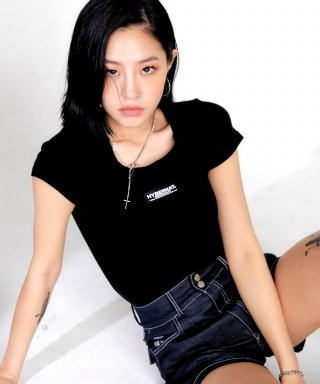 하이버넷(hybernat) SQUARE NECK SLIM TEE-BLACK