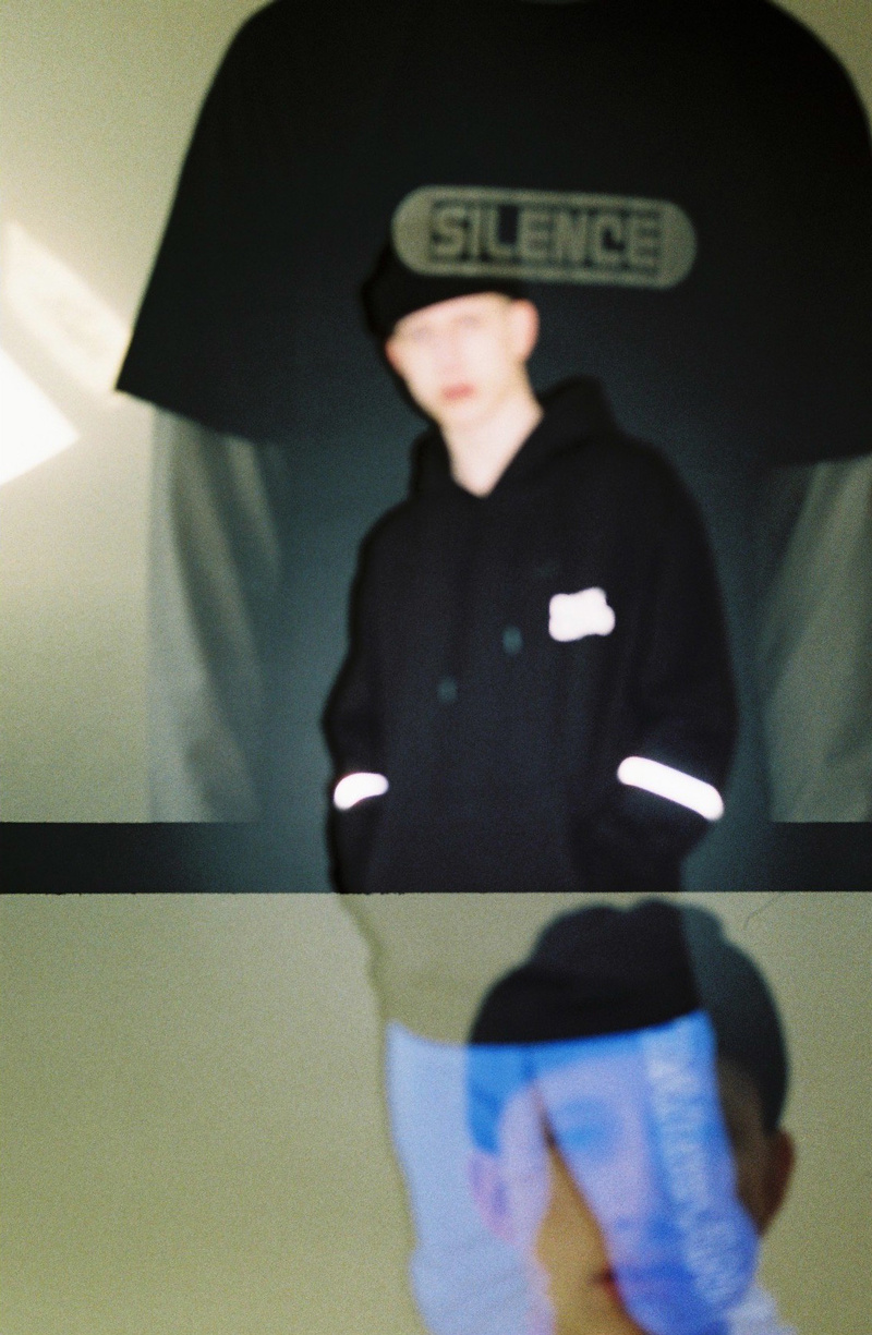 ReflectiveHoodie_03.JPG