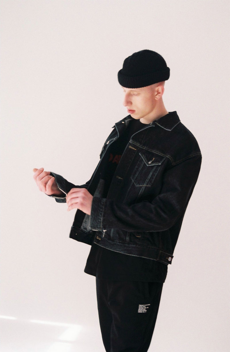 Oversized-Denim-Jacket-Black-05.jpg