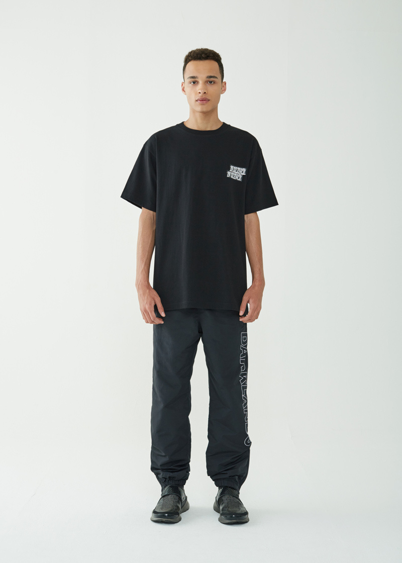 05PrayerTeeBlack04.jpg