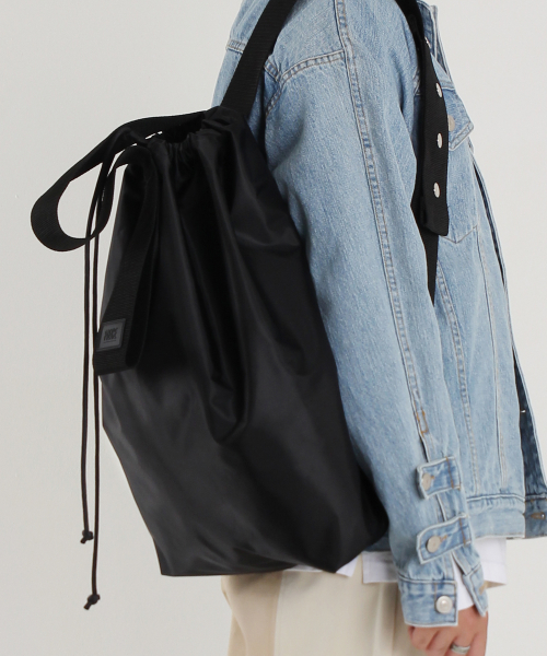 피스메이커(PIECE MAKER) NYLON WIDE STRAP BAG (BLACK)